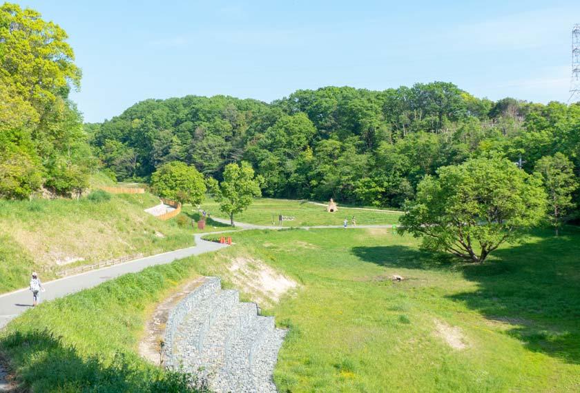 あいな里山公園の緑あふれる景観
