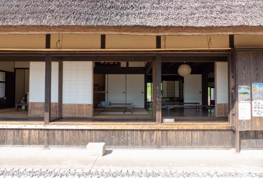 白拍子の家の内部