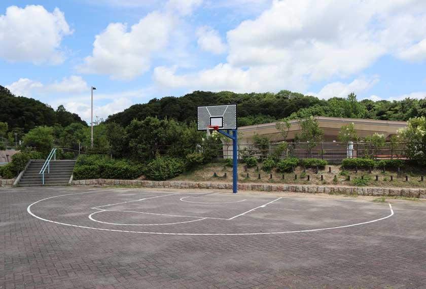 ちゃぷちゃぷ池周辺のバスケットゴール