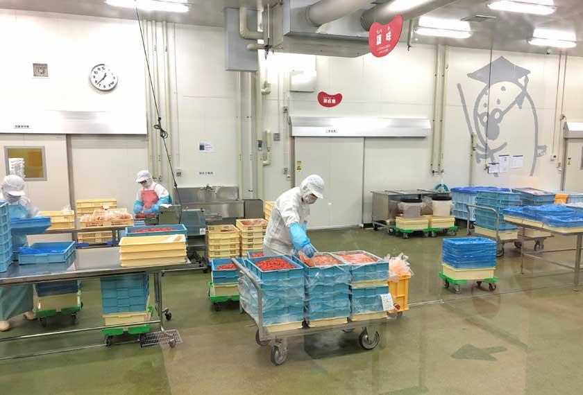 かねふく明太子の工場内部
