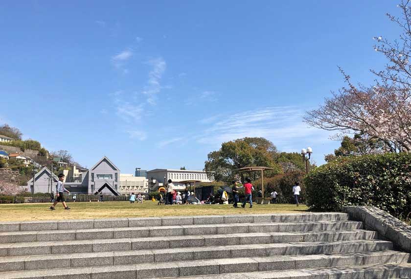 水の科学博物館外の広場