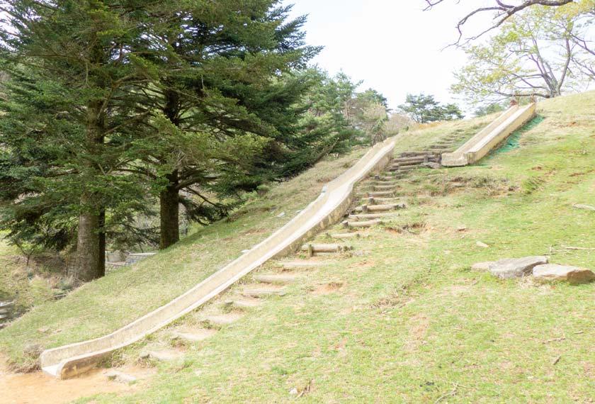 六甲山牧場にあるすべり台