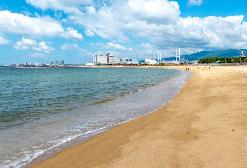 潮芦屋ビーチの砂浜