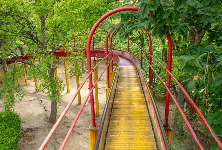 元浜緑地のロングローラースライダー