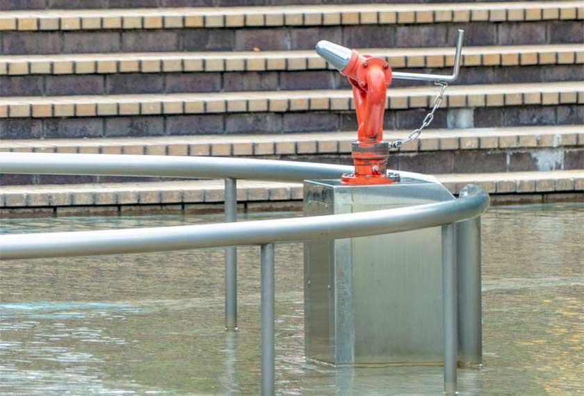 わんぱく池の水鉄砲