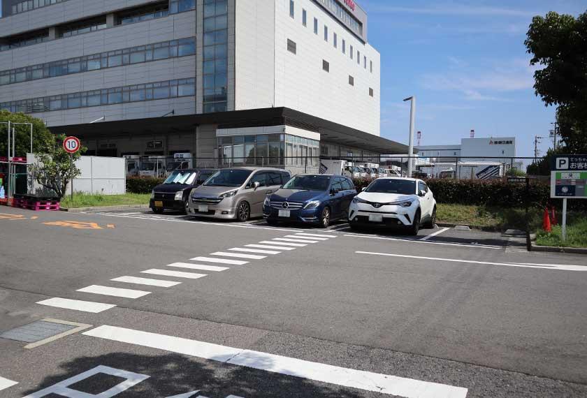 てっちゃん工房の駐車場