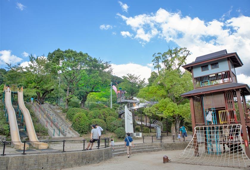 五月山公園遊具エリア全景